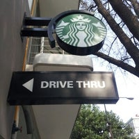 Foto tomada en Starbucks por Fraustomar S. el 2/27/2013