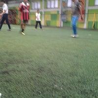 รูปภาพถ่ายที่ Planet Futsal โดย Daniel Stefan S. เมื่อ 5/17/2013