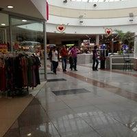 Foto tomada en Plaza Las Américas por Monika S. el 2/1/2013