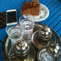 5/12/2013 tarihinde Beyzaziyaretçi tarafından Mavi Cafe'de çekilen fotoğraf