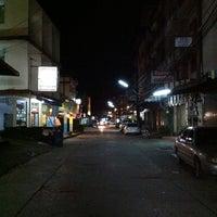 Photo taken at ถนนสุวรรณวิทย์ by Kotchakon D. on 8/14/2014