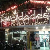 Foto tomada en Tienda Inglesa por Analía A. el 12/31/2012