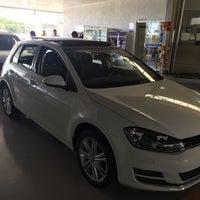 Foto tirada no(a) Saga (Volkswagen) por Regis R. em 12/20/2016
