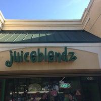 Photo taken at JuiceBlendz®/YoBlendz® by Luke P. on 1/13/2013
