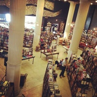 Foto scattata a The Last Bookstore da Alice Eunjin il 5/22/2013