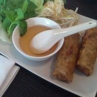Foto tomada en Viet Nam Restaurante por Ramon G. el 8/3/2013