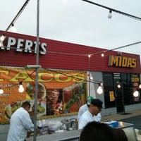 Photo taken at Midas by Oscar P. on 4/14/2013