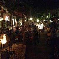 7/2/2013 tarihinde Ali İhsan E.ziyaretçi tarafından Hideaway Bar & Cafe'de çekilen fotoğraf