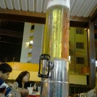 Photo taken at Japa's  Restaurante e Choperia by Lincoln R. on 1/20/2014