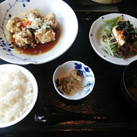 Photo taken at 中国家庭料理 墨花居 成城コルティ店 by Akito F. on 9/14/2014