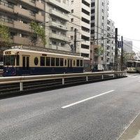 Photo taken at 新目白通り by 桜木ひな子 on 1/8/2018