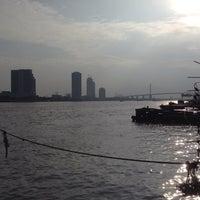 Photo taken at ท่าเรือราษฎร์บูรณะ (บิ๊กซี) Ratburana (Big C) Pier S4 by Chantima N. on 10/7/2014