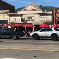 รูปภาพถ่ายที่ Winona's Restaurant โดย Emily M. เมื่อ 7/20/2018