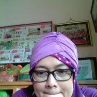 Photo taken at Tupperware Jogja PT.Sentosa Agung Suryatama by Widi A. on 3/4/2013