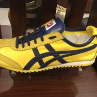 Photo taken at Onitsuka Tiger by Mammy D. on 12/22/2012