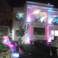 Foto tirada no(a) Kasr-ı Van Kahvaltı ve Kahve Evi por Bayram T. em 12/23/2012