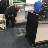 Photo taken at Best Buy by Rudy G. on 1/1/2018