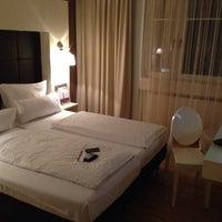 Das Foto wurde bei Hotel Santo von Nick M. am 12/9/2013 aufgenommen