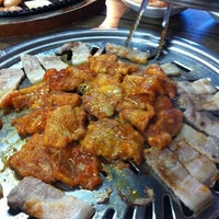Photo taken at Red Pig Korean Restaurant (빨간돼지 한국식당) by Janie S. on 7/29/2011