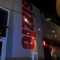 Снимок сделан в Smashburger пользователем Alex B. 10/15/2011