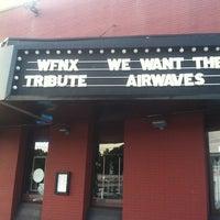 6/30/2012 tarihinde Rachel V.ziyaretçi tarafından Paradise Rock Club'de çekilen fotoğraf