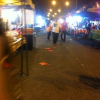 Photo taken at Pasar Malam TTDI by Ethan R. on 3/25/2012