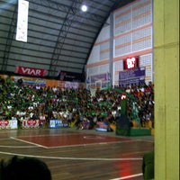 Photo taken at Hall Basket Perbasi Pontianak by denyssa e. on 2/18/2012