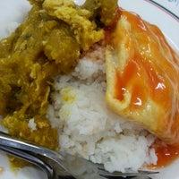 Photo taken at ร้านอาหาร สวัสดิการ ศิริราช by Humming B. on 9/27/2013