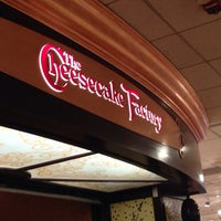 Photo taken at The Cheesecake Factory by Giordano L. on 7/27/2013