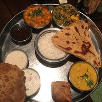 Снимок сделан в Pongal Kosher South Indian Vegetarian Restaurant пользователем Sri R. 12/19/2016