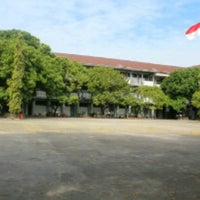 Photo taken at SMA Negeri 1 Makassar by Mawar M. on 1/21/2013