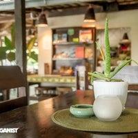 Photo prise au Crave restaurant and lounge par Crave restaurant and lounge le11/21/2016