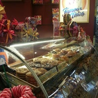 Photo taken at Famous Amos by NAQSZADA on 4/23/2013