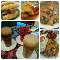 Photo taken at Restoran Rebung Chef Ismail by NAQSZADA on 6/24/2013