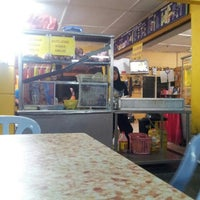 Photo taken at Kedai Makan & Minum Kak Nab by Sue N. on 5/16/2015