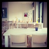 Das Foto wurde bei Flamingo Fresh Food Bar von 🌸Ma_risha am 5/3/2013 aufgenommen