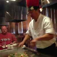 Foto scattata a Fuji Seafood Steakhouse/Sushi Bar da Brenda Owen W. il 3/20/2013
