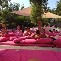 Photo taken at Alora Beach Club by Sinem Y. on 7/10/2013
