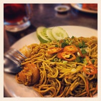 Photo taken at Pak Hailam Kopitiam by Alfred C. on 10/12/2012