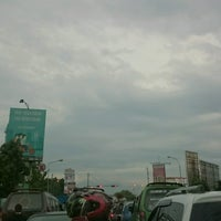 Photo taken at Perempatan Samsat Kiaracondong by Joko P. on 9/28/2016