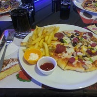 Photo taken at Limos Cafe & Restaurant by Ahmet K. on 10/2/2013