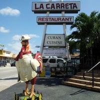 Photo taken at La Carreta by Carlos Manuel on 10/13/2012