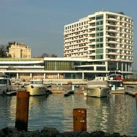 Foto scattata a The Grand Tarabya da Ahmet K. il 1/4/2013