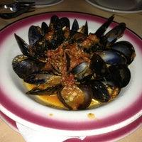 Foto scattata a Nino's Cucina Italiana da John K. il 8/30/2013