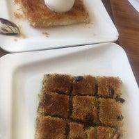 8/29/2017 tarihinde Elif K.ziyaretçi tarafından Meclis Künefe & Cafe'de çekilen fotoğraf