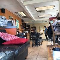 7/5/2018 tarihinde Kentziyaretçi tarafından Bella Rosa Coffeehouse'de çekilen fotoğraf