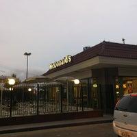 Foto tirada no(a) McDonald's por Diego S. em 1/2/2013
