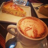 Foto tirada no(a) Amika Coffeehouse por Izakeline R. em 5/22/2013