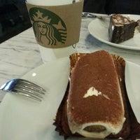 2/27/2013 tarihinde Hakan S.ziyaretçi tarafından Starbucks'de çekilen fotoğraf