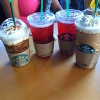 Foto diambil di Starbucks oleh Ivonne T. pada 12/31/2012